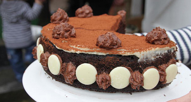 Chocolate-and-Guinness-Cake_large