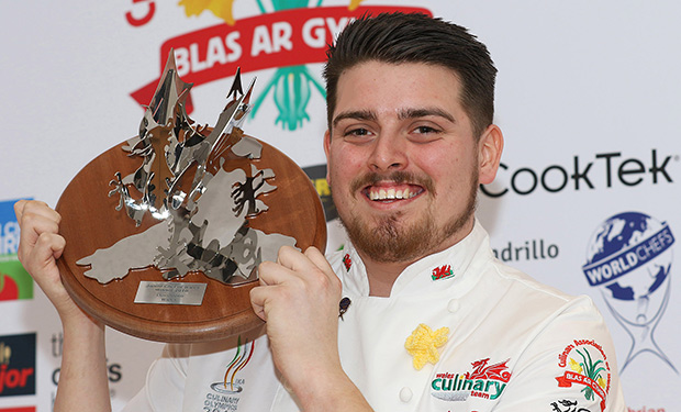 Arron-with-trophy