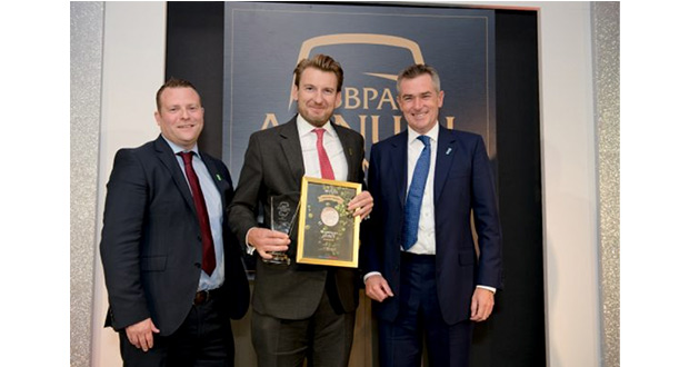 , Henley Pub Operator Scoops Top Industry Award