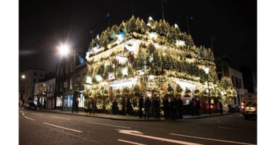 The Churchill Arms Switches On, The Churchill Arms Switches On 22,500 Christmas Lights